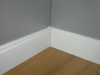 universalecken massiv wei 4er pack ecken endst cke zubeh r. Black Bedroom Furniture Sets. Home Design Ideas